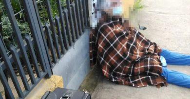 Si fa intestare la casa dalla madre 88enne e la vende: anziana finisce in strada