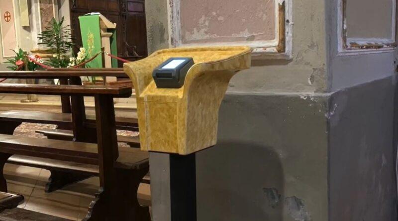 Parroco di Cremona, invita i fedeli a fare offerte con il bancomat le disposizioni anti-Covid chiedono di manovrare il meno possibile le banconote