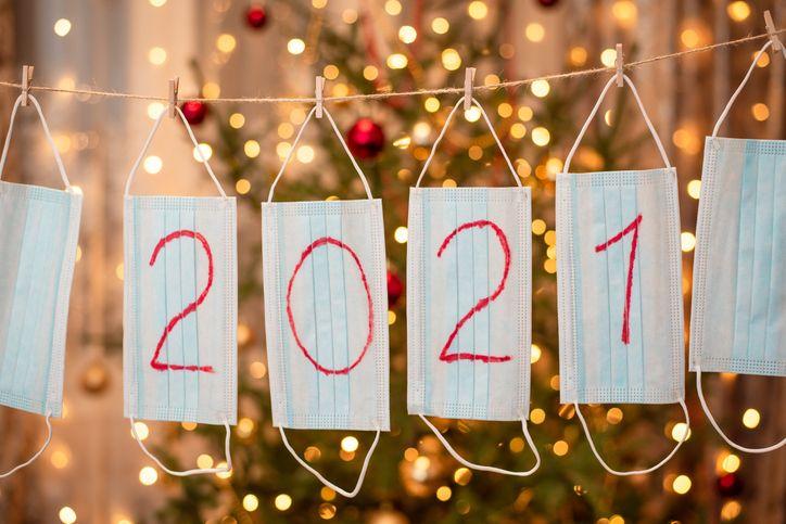 Tra Natale e Capodanno il coprifuoco sarà alle 21 addio a Natale e Capodanno