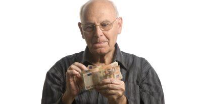 Bonus 516 euro al mese, da 57 anni e  fino alla pensione