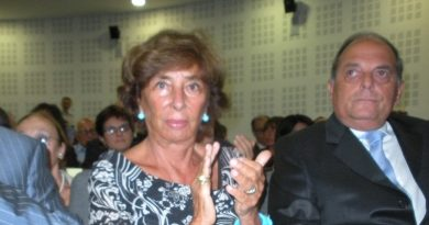 Lutto per Emilio Fede: morta la moglie Diana De Feo. Erano sposati da 57 anni
