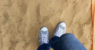 Ragazza 17enne uccisa a bastonate dai nonni: ammazzata per un paio di jeans