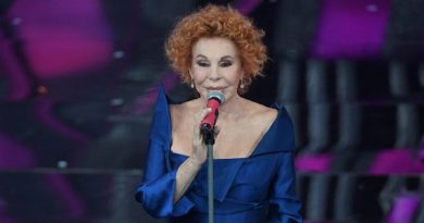 """Ornella Vanoni, dalle stelle alle stalle! Confessa: """"Ho perso tutti i soldi, non ho più niente"""""""